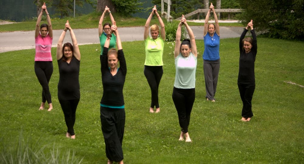 Yogesha joga oddih_Joga delavnica_hormonska joga_Bohinj